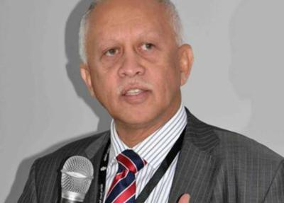 """رئيس الوفد الحكومي اليمني"""" رياض ياسين """" يقول أنه غير متفائل في محادثات جنيف ويتهم الحوثيين"""