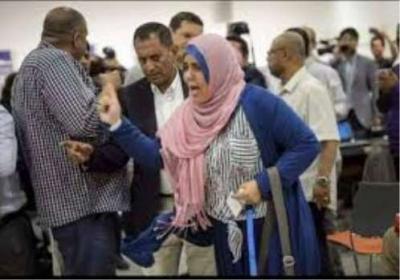 """الحوثيون يردون على الصحفية """" ذكرى العراسي """" بطريقتهم الخاصة"""