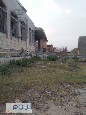 تفاصيل وصور - الغارات الجوية التي إستهدفت مواقع بمحافظة المحويت وحقيقة إستهداف السجن المركزي وهروب السجناء