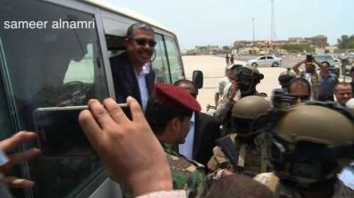 صدمة للحوثيين .. بحاح يصل عدن ( صورة)