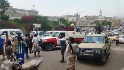شاهد بالصور انضمام أفراد من الشرطة العسكرية مع عتادهم للمقاومة الشعبية بتعز