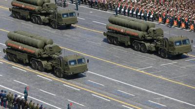 شاهد بالصورة - الصين تستعرض صواريخ جديدة قادرة على تدمير حاملات طائرات