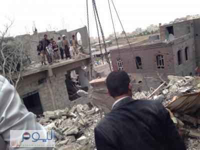 غارات جوية عنيفة وانفجارات تهز العاصمة صنعاء وتحليق مكثف للطيران هو الأول من نوعه منذ بدء عاصفة الحزم ( المواقع المستهدفة )