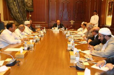 قرارات صادرة عن هيئة المستشارين برئاسة الرئيس هادي بشأن المشاورات الهادفة الى تنفيذ قرار مجلس الأمن الدولي رقم ٢٢١٦