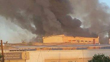 """مصدر عسكري يكشف لـ """" اليوم برس """"معلومات عن اللواء الرابع ومخازنه التي تفجّرت صباح اليوم بالعاصمة صنعاء"""