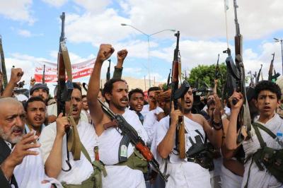 الحوثيون يوفون بوعدهم ويحجّون بأسلحتهم مُحرمين ( صور)