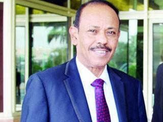 """محافظ عدن في أول حواراً له يُحمّل الرئيس السابق """" صالح """" دعاوى الإنفصال ويتحدث عن جاهزية المقاومة لتحرير صنعاء"""