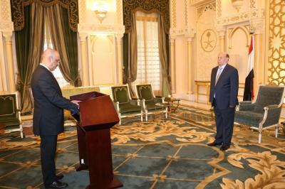 """وزير الزراعة """" الميسري """" يؤدي اليمين الدستورية ( صورة)"""
