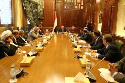 إجتماع إستثنائي للرئيس هادي وهيئة مستشاريه ( صورة)