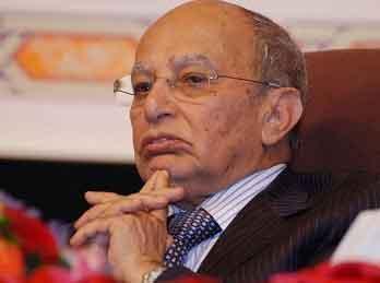 أنباء عن وصول جثمان الدكتور عبد الكريم الإرياني إلى مطار صنعاء