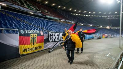 """إلغاء مباراة كانت ستحضرها المستشارة الألمانية """"ميركل """" بسبب """"قنبلة"""""""
