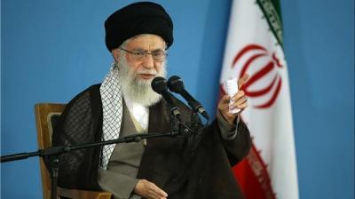 """مرشد إيران """" خامنئي """" يعترف أمام الجميع .. أميركا تستخدم الجنس والمال لإختراقنا"""