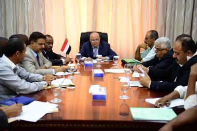 الرئيس هادي يصدر توجيه هام بشأن عناصر المقاومة الشعبية