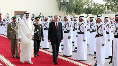 أمير قطر يستقبل أردوغان بمراسم رسمية