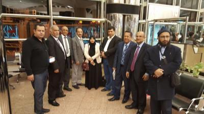فريق المشاورات الحكومي يغادر الرياض متوجهاً الى جنيف ( صورة - أسماء)
