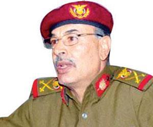 """بالصور .. نجاة قائد المنطقة العسكرية الرابعة اللواء """" اليافعي """" من محاولة إغتيال بعدن"""