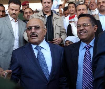 بن دغر يكشف عن معلومات هامة تتعلق بمُهمة السفير الروسي في صنعاء والإتفاقات السرية التي جرت بين صالح الحوثي( تفاصيل)