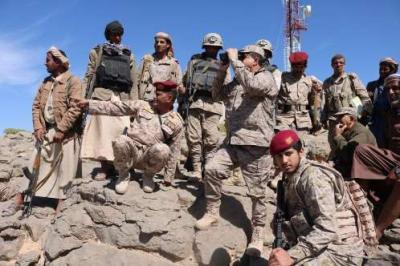 لأول مره اللواء المقدشي واللواء الشهاري يزوران أول المواقع المحرره التابعة لصنعاء( صورة)