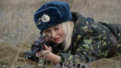 (صور) المرأة الروسية في التشكيلات العسكرية