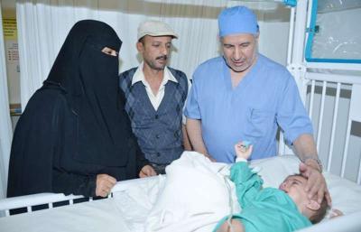 نجاح عملية فصل التوأم الطفيلي اليمني بمدينة الملك عبدالعزيز الطبية( صورة)