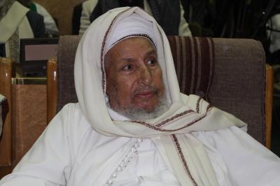 """فتوى مثيرة للجدل للعلامه """" الحوثي """" المطاع تكفر الرئيس هادي ومناصريه وتدعوا التجار لإخراج أموالهم ( نص الفتوى)"""