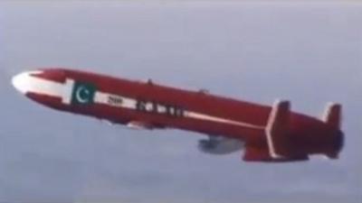 باكستان تختبر بنجاح صاروخا مجنحاً ذو قدره على التخفي عن أجهزة الرصد وإختراق أنظمة الدفاع مداه 350 كلم ( صورة)
