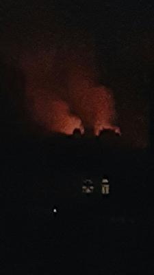 تجدد الغارات والإنفجارات وإشتعال النيران عقب غارات على النهدين والرئاسة ومصدر يكشف السبب( صور)