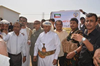 الإغاثة الكويتية توزع 5000 سلة غذائية للأسر الفقيرة في محافظة الحديدة