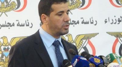 سبب مغادرة الرئيس هادي عدن وبقاء بحاح .. معلومات يكشفها ناطق الحكومة
