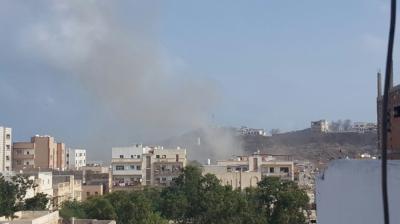 عاجل : هجوم بسيارة مفخخة إستهدف قصر المعاشيق بعدن ( صوره أوليه )