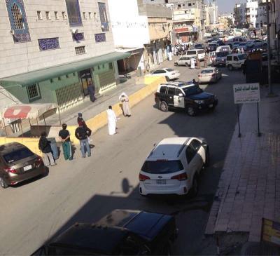 مقتل رجلي أمن سعوديين بنيران مجهولة أثناء قيامهما بمتابعة سيارة نقل أموال بالقطيف