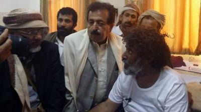 إصابة قائد لواء النصر الشيخ العكيمي أثناء تحرير معسكر الخنجر بالجوف ( صوره)