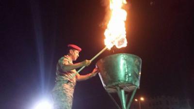 إيقاد شُعلة ذكرى ثورة 11 فبراير بمأرب ( صورة)