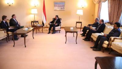بحاح يلتقي بالسفير الروسي لدى الرياض ( صورة)