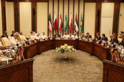 نائب رئيس الجمهورية يلتقي سفراء مجموعة الدول الــ 18 ( صورة)