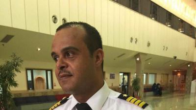 وفاة طيار سعودي قبل هبوط الطائرة
