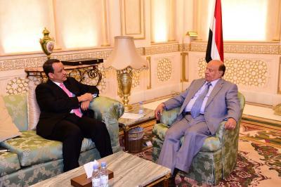 الرئيس هادي يستقبل المبعوث الاممي الى اليمن ولد الشيخ