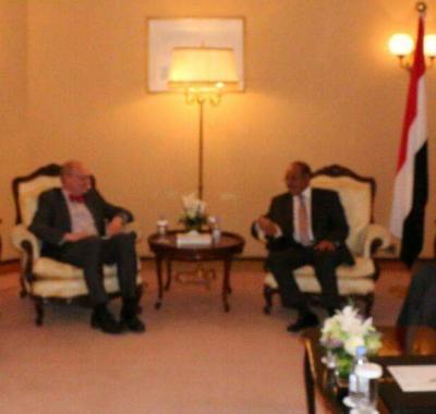 الفريق الركن علي محسن الأحمر يؤكد اقتراب موعد استعادة الدولة
