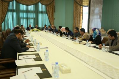 الفريق الركن علي محسن الأحمر يعقد إجتماعاً بالهيئة الإستشارية الوطنية ( صورة)