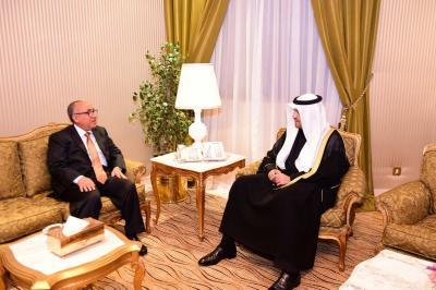 الاتفاق على تخصيص 100 مليون دولار مقدم من الكويت لليمن