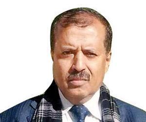ناطق المقاومة بتعز البرلماني الحميري يعلن إستقالته من مناصبه الحكومية والعسكرية !