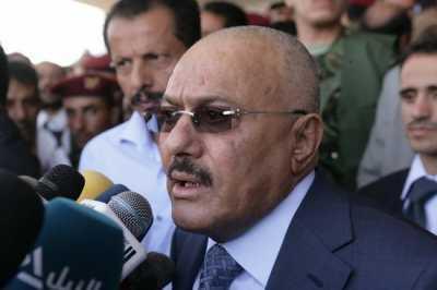 """الرئيس السابق """" صالح """" يشارك أنصاره بحضوره في ميدان السبعين ويلقي كلمة ( نصها - صور)"""