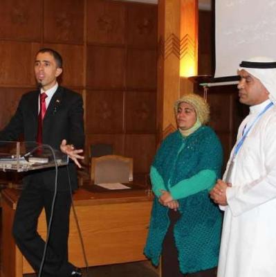 يمني يفوز بجائزة أفضل اختراع في المعرض الدولي للمخترعين بمصر ( صورة)