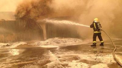 بالصور .. إندلاع حرائق في ميناء جدة بالسعودية