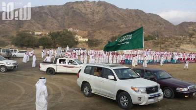 أبناء منطقة عسير يحتفلون بالإفراج عن أحمد عسيري والذي كان أسيراً لدى الحوثيين ( صور)