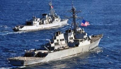 البحرية الأمريكية تكشف تفاصيل إحتجازها لسفينة أسلحة كانت في طريقها إلى اليمن