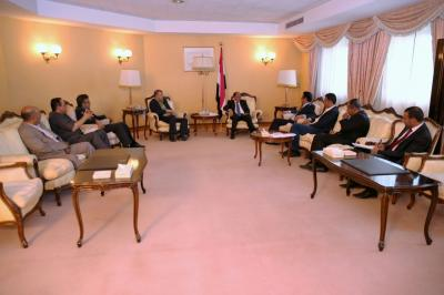 نائب رئيس الجمهورية يلتقي وزير الاعلام ورؤساء المؤسسات الاعلامية الرسمية