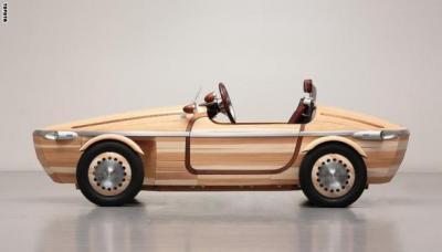 """سيارة خشبية.. إصدار جديد من شركة """"تويوتا"""" ( صورة)"""