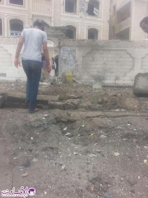 تفاصيل وصور جديدة حول إنفجار سيارة مفخخة أمام مبنى الخارجية بعدن