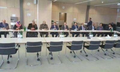 دولة خليجية تسعى لإقناع الحوثيين بالانضمام إلى محادثات السلام بالكويت - تفاصيل